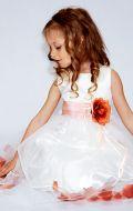 Бальное платье молочное с лепестками роз;  Артикул СМ68